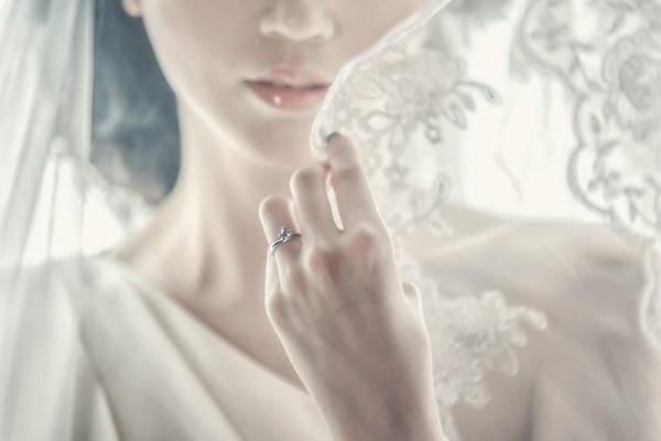 女性 結婚