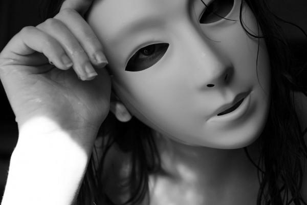 女性 仮面