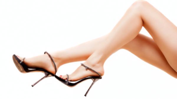 女性 美脚