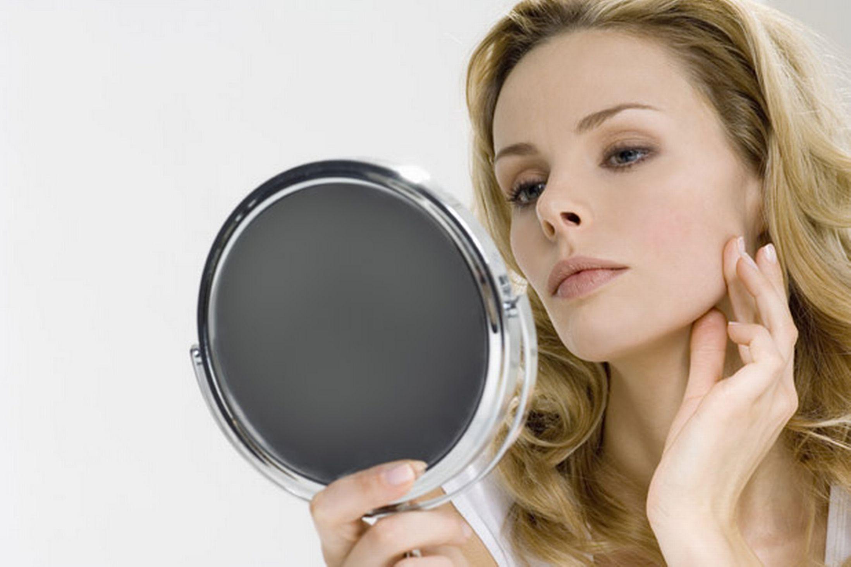 女性 鏡2