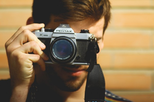 男性 カメラ