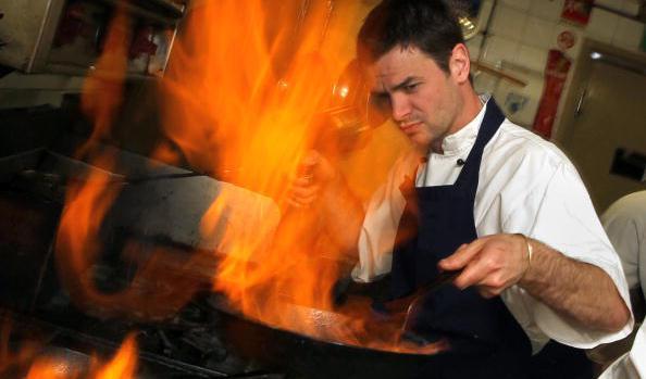男性 料理2